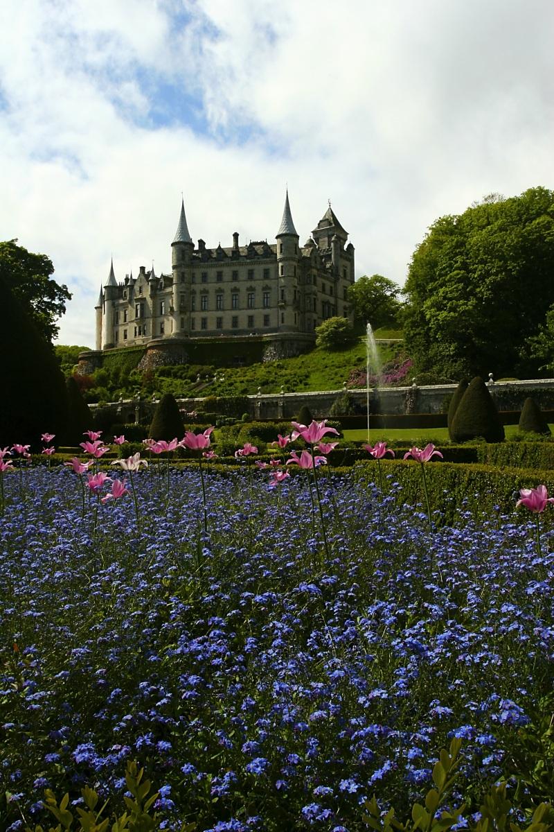 dunrobin_castle_gardens_V